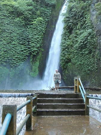 Puri Lumbung Cottages: Waterfall hike