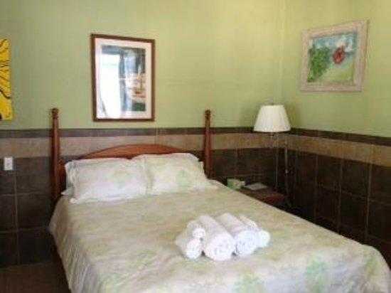 Maya Beach Hotel: Hibiscus Room