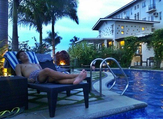 Hotel Soffia Boracay: pool side