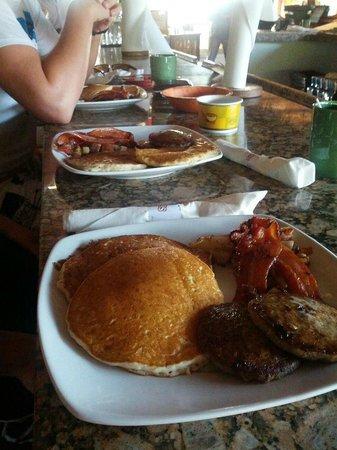 Boondocks Grille & Draft House : Breakfast at Boondocks
