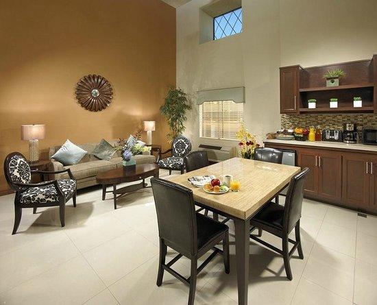 SureStay Hotel by Best Western Buena Park Anaheim: Lobby Area