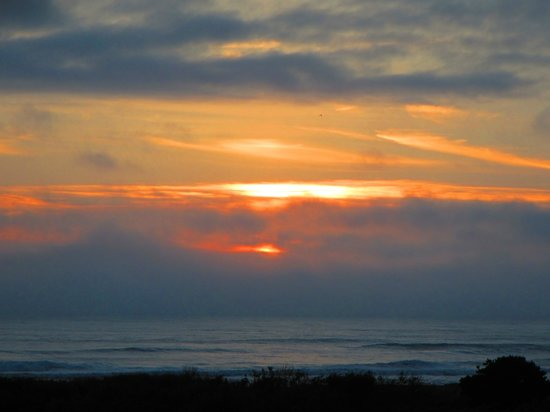 Pacific Reef Hotel - Gold Beach: Gold Beach Sunset