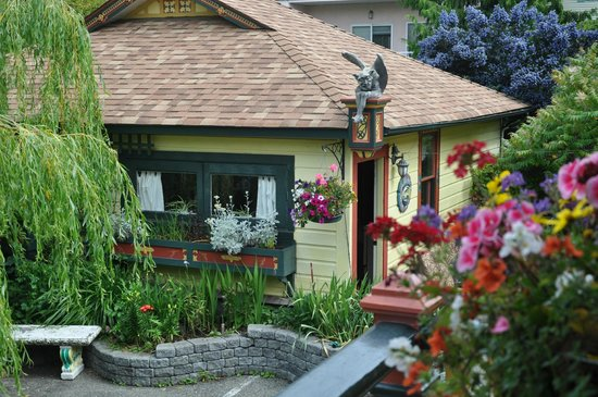 Albion Manor Bed and Breakfast: Gargoyle Cottage
