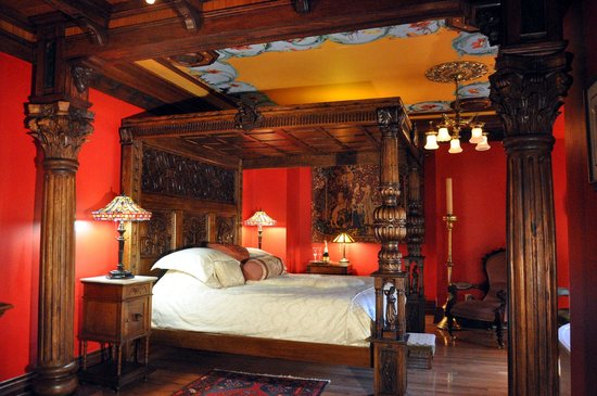 Albion Manor Bed and Breakfast: Henry VIII's Wish Room