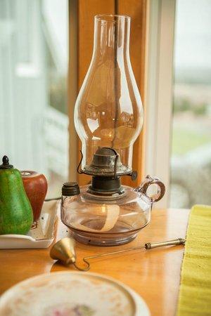 Baddeck Riverside Bed & Breakfast: Old lamp
