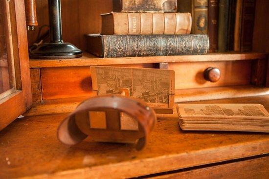 Baddeck Riverside Bed & Breakfast: 3D Glasses