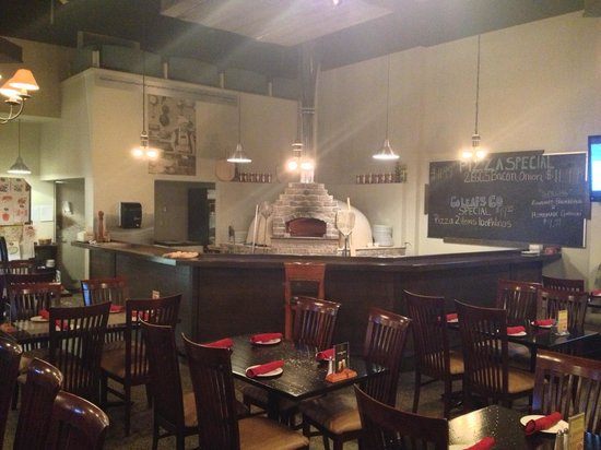 Johnny Peppers: Pizza Oven