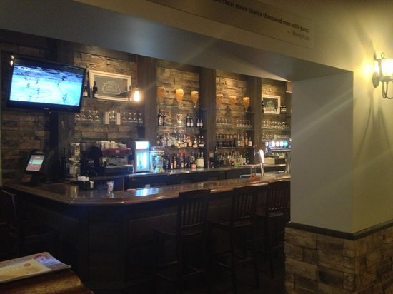 Johnny Peppers: Bar Area