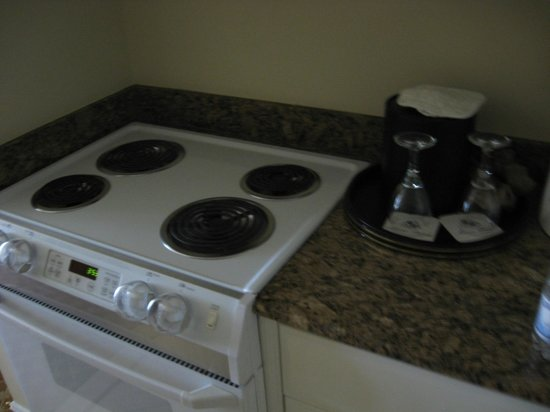 Marco Beach Ocean Resort: Stove