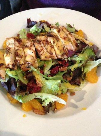 Lorenzo's Bistro & Bakery: Grilled chicken, orange poppyseed salad
