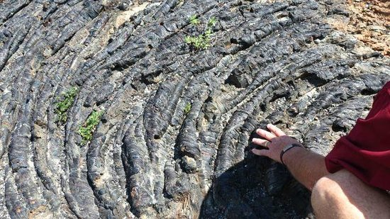 Craters of the Moon National Monument: Look at the ripple effect of the lava as it flowed then cooled.
