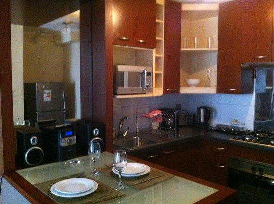 Plaza Suites Apartments : Cocina/Comedor
