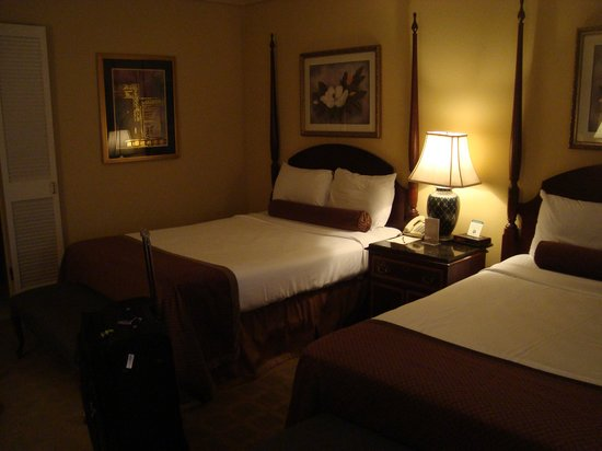 Hotel St. Marie: Our two queen beds