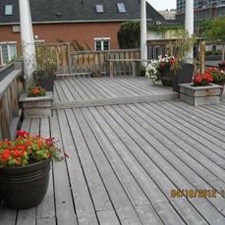 Saint Lawrence Residences & Suites : Roof Garden Gazebo