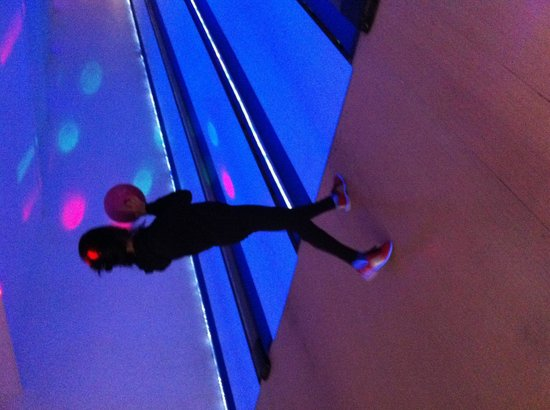 Indoor Bowling Newquay: At the aley