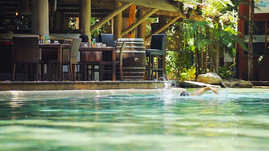 Ramada Resort Port Douglas: Pool & Restaurant