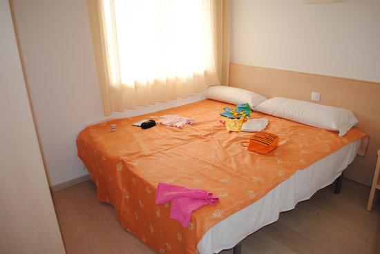Apartamentos Pineda Park: Спальня1