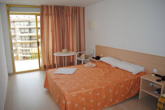Apartamentos Pineda Park: Спальня2