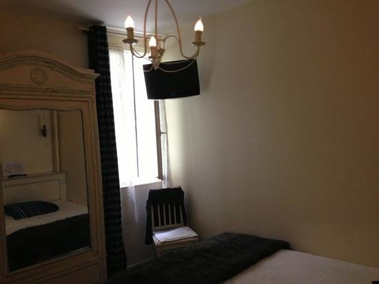 Hotel du Dragon: room 7