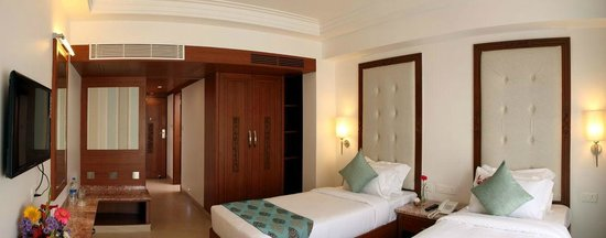 Hotel Karai: twin bed room