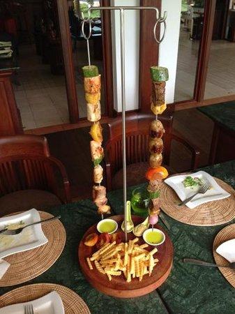 Cassia Restaurant : Brochette Terre&Mer