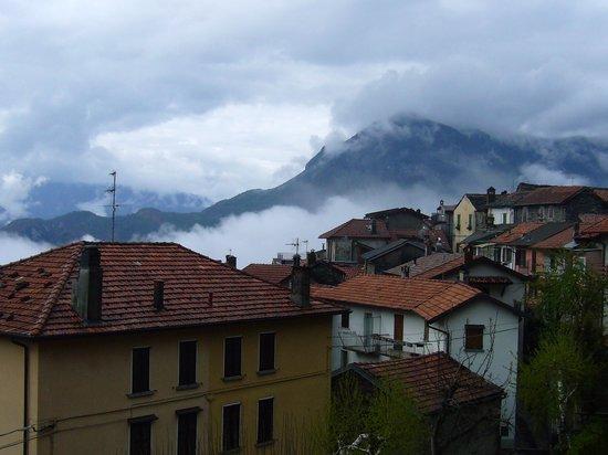 Albergo Breglia: Widok z pokoju hotelowego