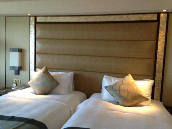Shangri-La's Mactan Resort & Spa: Beds