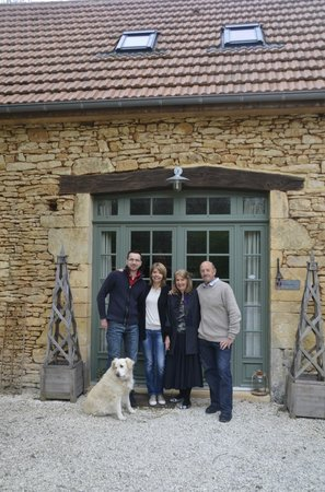 La Roche d'Esteil: Entrance to dining room with hosts on left