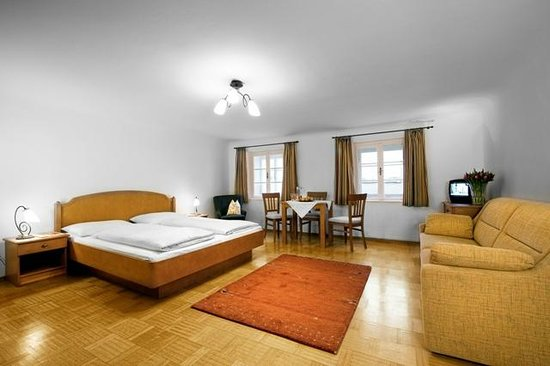 hotel krone 1512 updated 2018 b b reviews price comparison and 296 photos salzburg austria. Black Bedroom Furniture Sets. Home Design Ideas