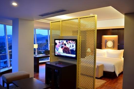 Emersia Hotel & Resort: Add a caption