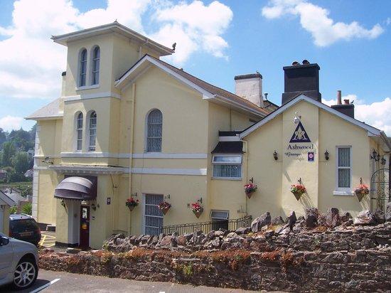 Ashwood Grange Hotel: Outside View