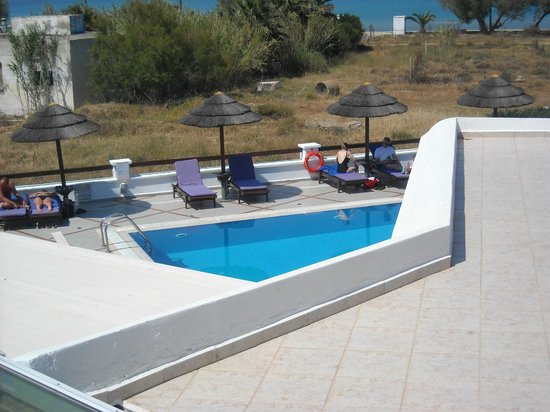 Naxos Resort Beach Hotel: Pool and beach