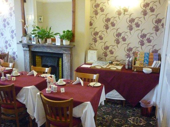 Ashwood Grange Hotel: Breakfast Room