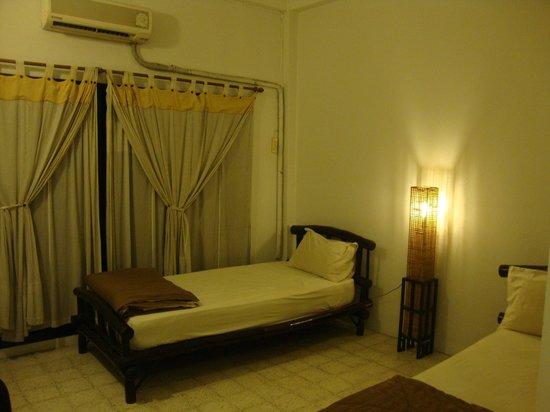 Lamphu House: chambre