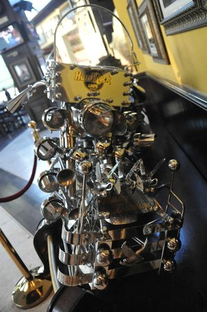 Hard Rock Cafe: custom bike horns