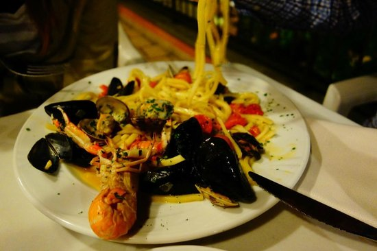 Hotel Grotto Bagat: Seafood spaghetti. The spaghetti was a little thick but overall it was still good.