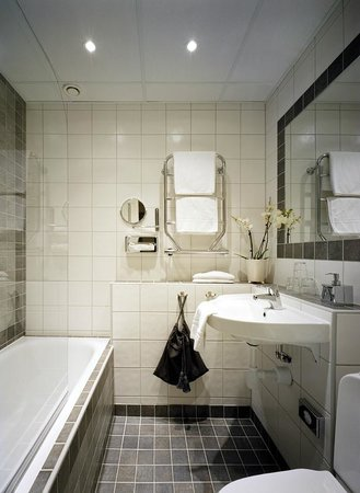 Scandic Gamla Stan: Bathroom