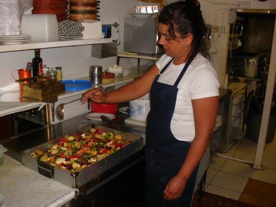 Giouvetsakia & Biological Food: Δημιουργικεs στιγμεs στην κουζινα.