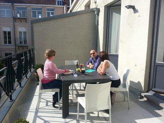 De Drie Koningen: Sitting on the Onze-Lieve-Vrouw sun trap