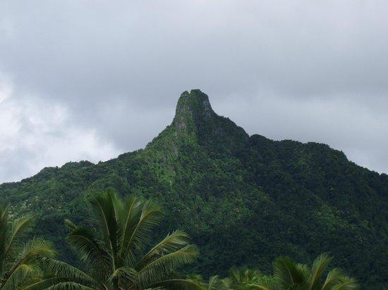 """Lagoon Breeze Villas: The Needle"""" well known Raro peak"""