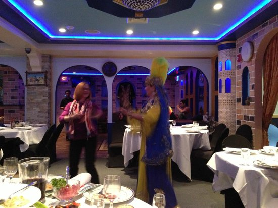 Samarkand Restaurant: Even the customers are inspired to provide entertainment.