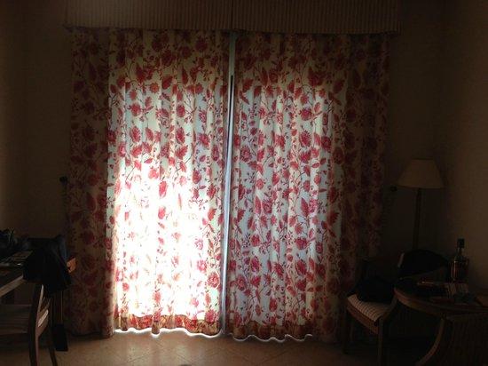 Melia Villaitana: Superior room curtains circa-1970's