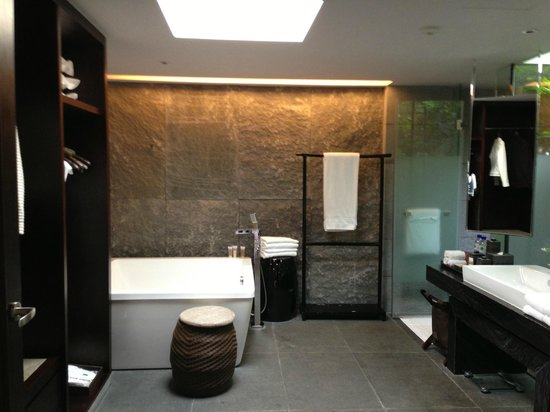 Pullman Lijiang Resort & Spa: bathroom