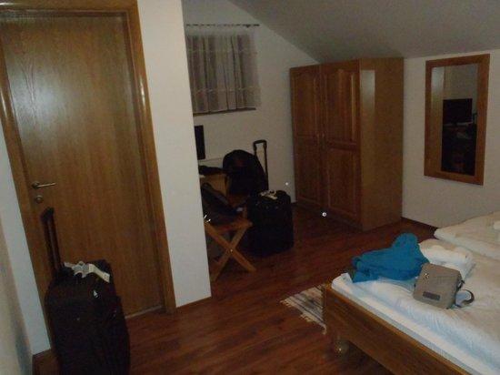 House Mara : Room