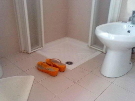 Dimensioni piatto doccia picture of hotel rossini pesaro