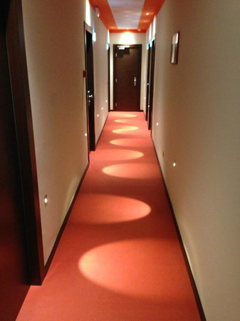 Hotel Gabbiano: Corridor