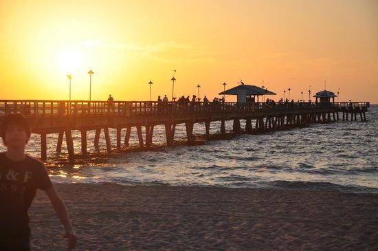 Shore Haven Resort Inn: pier lauderdale