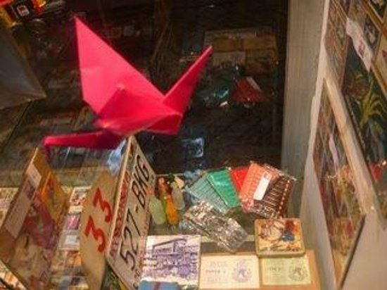 Collectus - Loja de Coleccoes: Origami window shop