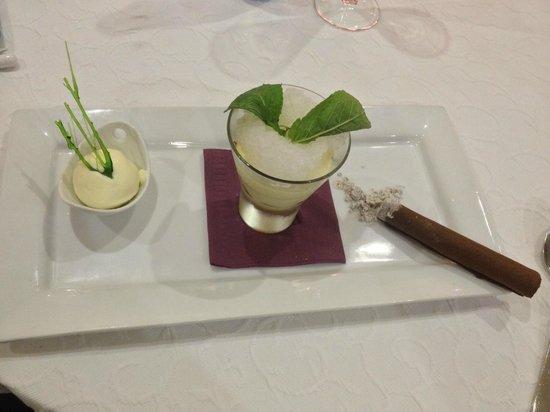 L'Essentiel : Dessert : Le Retour de Cuba (Mojito revité, Glace Pina Colada et Cigare Cubain au chocolat)