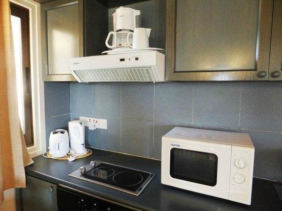 The King Jason Paphos: Cooking facilities